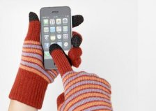Apple-iPhone-gloves