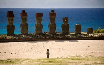 Overs-Easter-Island-B3G7J4-1680x1050