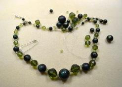 broken-green-necklace