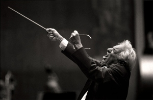 Leonard Bernstein conducting the Chicago Symphony Orchestra at Avery Fisher Hall, 6/24/88.